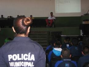 #Local / Policía Municipal de #Celaya hace un llamado a la prevención de accidentes y a las adicciones enjóvenes.