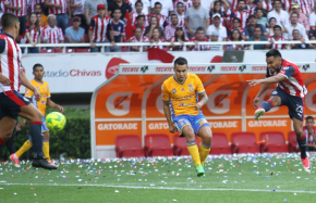 """#TalentoLocal / El celayense """"Gallito"""" Vázquez le da el doceavo campeonato a las Chivas(VIDEOS)"""
