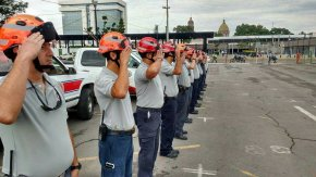 #NoticiaLocal / Bomberos y Protección Civil de #Celaya viajan a laCDMX