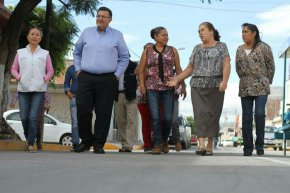 #Local / Supervisa Alcalde pavimentación en la colonia Emiliano Zapata